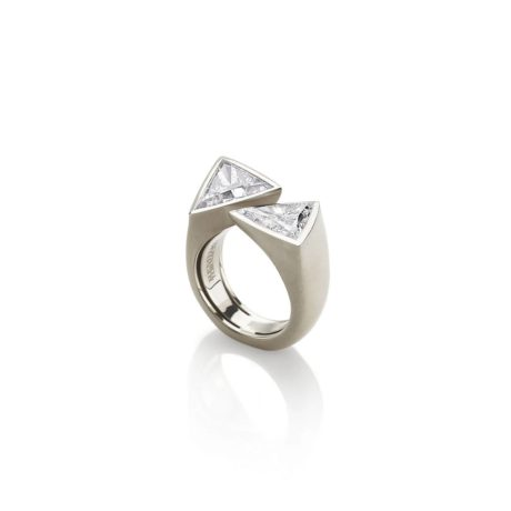 Open triangles diamonds / white gold